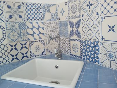 Photo for Two-room apartment in a villa 50 meters from the sea.