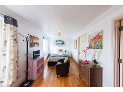 Photo for Quiet, Cozy 1BR Flat for 2 in Earls Court