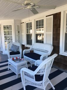 Right Front Porch