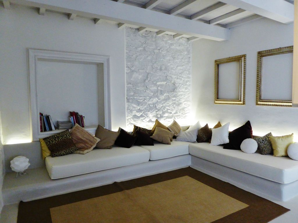 Beatyfull villa with private poll homeaway lucca for Case ristrutturate moderne