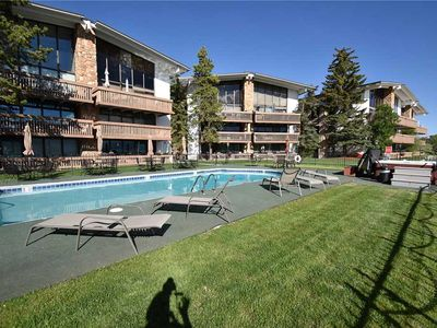 Ground Floor, Easy Drive to Slopes. Near Dining, Activities