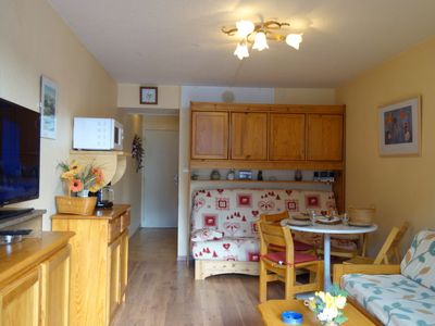 Photo for One bedroom Apartment, sleeps 4 with Pool, WiFi and Walk to Shops