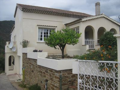 Photo for villa located in pramousquier 15 km by car lavandou A 600 M A PID