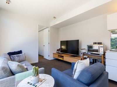 Photo for Rosa, Stylish new 2BDR abode in heart of Richmond