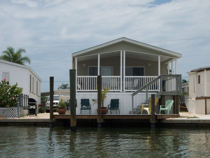 Ft myers beach bayfront home jays bayfront getaway canoe for Fish house fort myers beach