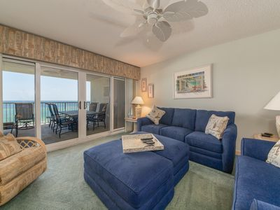 Photo for Comfortable Gulf-front Vacation Rental, Pool and Hot tub on-site