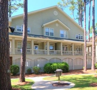 7 Lyons. Highly Rated. Currently Booking Fall and Winter-Newly Renovated
