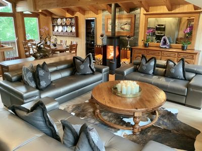 Grand Living Area With Designer  Italian  Leather Sofas & Seating For 10 People!