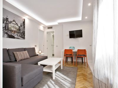 Photo for COZY 1 BR just 2 min to Gran Via