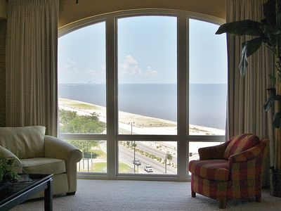 Dreamy Condo w/ WiFi, Spa Services, Resort Pools, Jetted Tubs & Gym Access