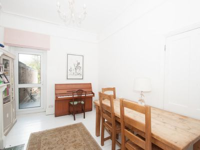 Photo for A Pop of Pink. - Three Bedroom House, Sleeps 6