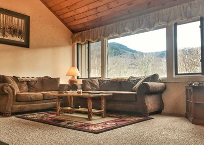 Spacious, warm, beautifully decorated and wonderful views!