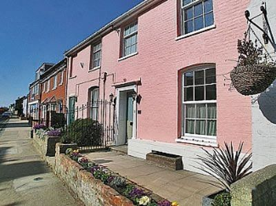 Photo for The Pink House, Aldeburgh, Suffolk