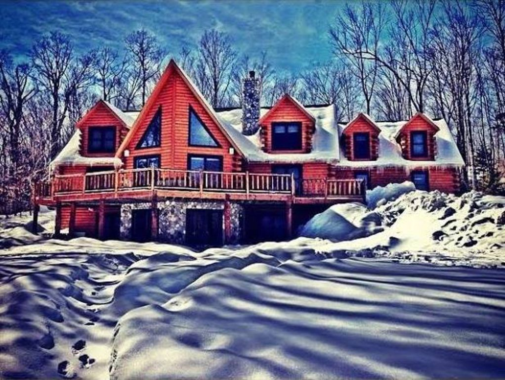 Low Summer Rates Fabulous Log Home On