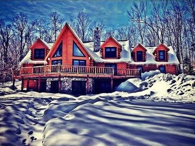 Fabulous Log Home, 6 BR (incl. 3 King Master Suites), 4 BA, Hot Tub, Pool Table