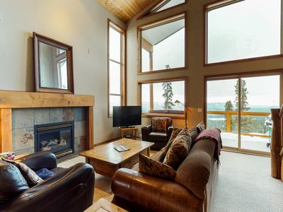 Photo for Ski-in/ski-out home w/private hot tub, dog-friendly attitude, & beautiful views!