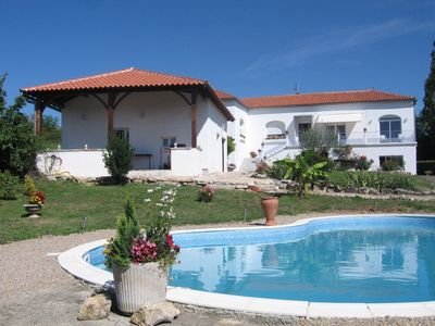 Photo for Comfortable cottage with pool in the heart of Quercy