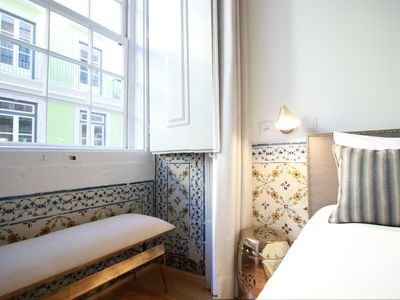 Photo for Superb stylish apartment, an urban retreat in an outstanding location: historic heart of downtown