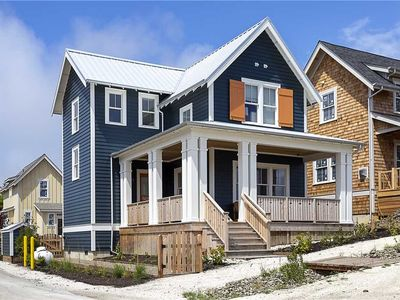 Photo for Fog Lifter: 3 BR / 2.5 BA seabrook in Pacific Beach, Sleeps 6
