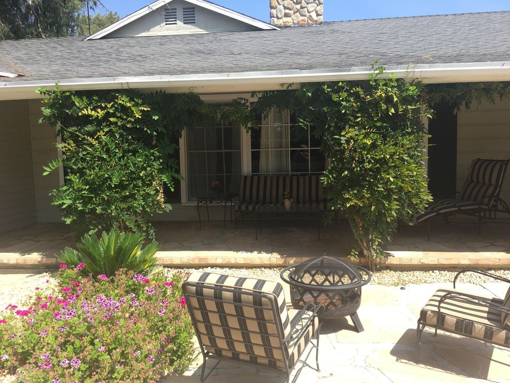 Gorgeous Home Near Universal Studios And All Studios And Attractions. Nice Area