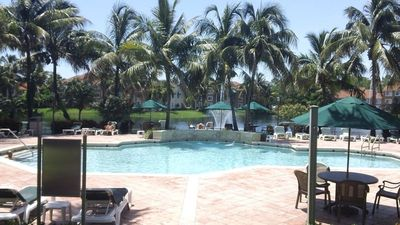 Photo for Lovely 1-bed Condo Next to Pool, Shops and Golf Clubs Nearby
