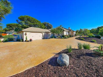 Photo for Spacious Vacation Home in the Hills of Vista, California