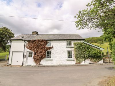 Photo for Penlone Cottage, RHAYADER