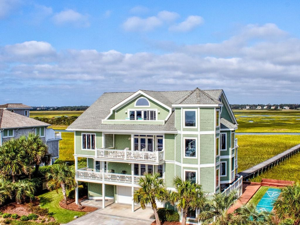 6 Bedroom Waterfront Call Tara At 910