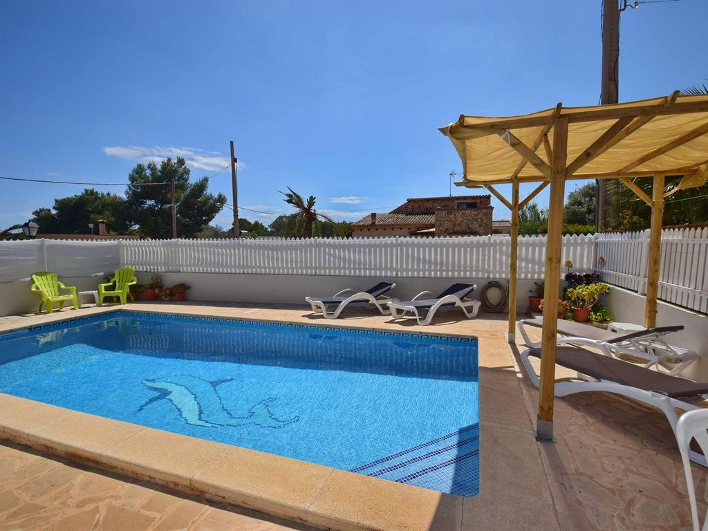 Nice house for up to 6 persons, large pool, quiet location ...