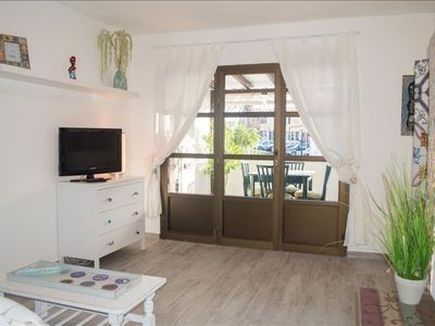 Photo for Spacious La Provenzal apartment in Corralejo with WiFi, shared terrace & balcony.