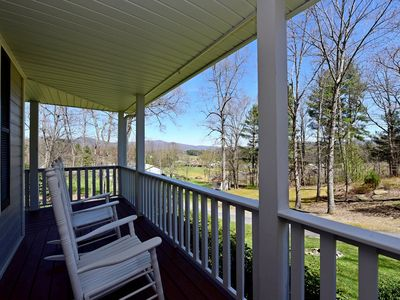 Photo for Forest Hill - Beautiful home in apple country of Hendersonville! Includes Biltmore & more!