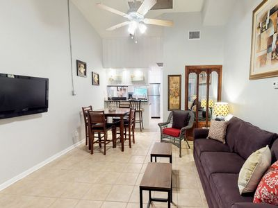Photo for Family-friendly condo w/shared indoor/outdoor pool, gym, gas grill, and dock!