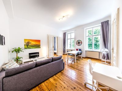 Photo for Newly refurbished classical Viennese apartment from 1900. In the city Center.