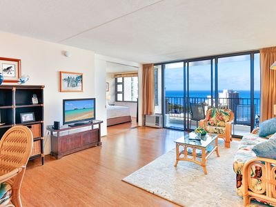 Waikiki Banyan 28th Floor | Panoramic Ocean Views | Free WiFi & Parking