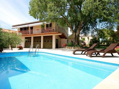 Photo for Apartment with pool, 2 bedrooms, kitchen, bathroom, WiFi, air conditioning, parking, barbecue and pets are also allowed
