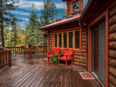 Photo for Cozy Log Cabin w/ Fireplace, Pool Table, WiFi, Hot Tub & Central AC / Heating