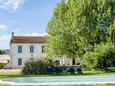 Photo for Mas de Joucas, a spacious and charming Provence country rental