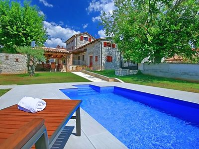 Photo for Typical Istrian villa with pool near the resort town of Porec