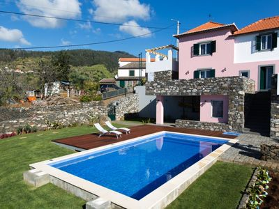 Photo for 3 bedroom Villa, sleeps 6 in Ribeira do Raposo with Pool, Air Con and WiFi