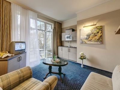 Photo for Apartment with foldaway bed, kitchenette, balcony - beach Hotel Nordischer Hof