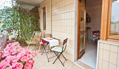 Photo for Apartment with comfortable terrace in the city center - PRIVATE PARKING - WI-FI