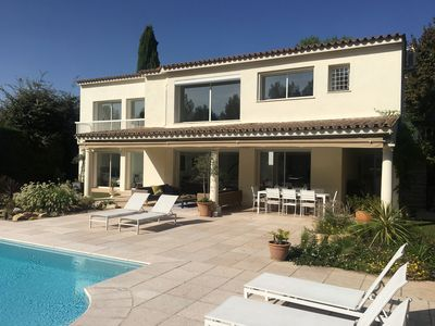 Photo for Beautiful, luxury 5 bed villa with heated pool and airconditioning near Biot