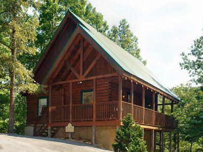 Photo for All the amenities for your enjoyment only minutes from Pigeon Forge 249