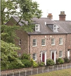 Photo for 5 Bedroom Town House in York sleeps 10, Free Wifi & Car Parking. Amex accepted.