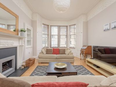 Photo for Spacious 3-Bed Apartment next to the Meadows/University
