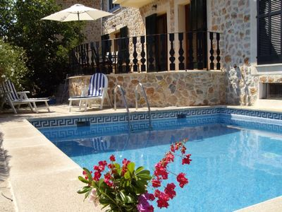 Photo for Ideally located villa with pool sleeps 8. Air con, Internet