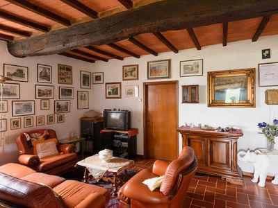 Photo for Typical country house surrounded by green hills Cortonesi