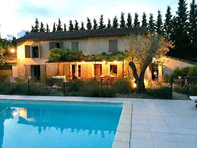 Photo for Beautiful 4 bedroom country house, heated pool Saint Rémy de Provence