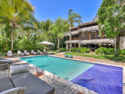 Award Winning Design, Thatched Roof Villa with Huge Pool, Maid Service, AC, Free Wifi, ResortVilla