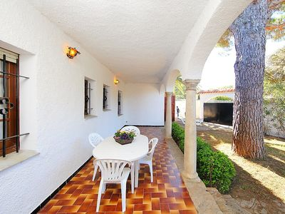 Photo for Apartment in the center of L'Escala with Parking, Washing machine, Pool, Garden (247219)